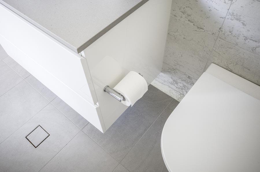 bathroom tiler newport